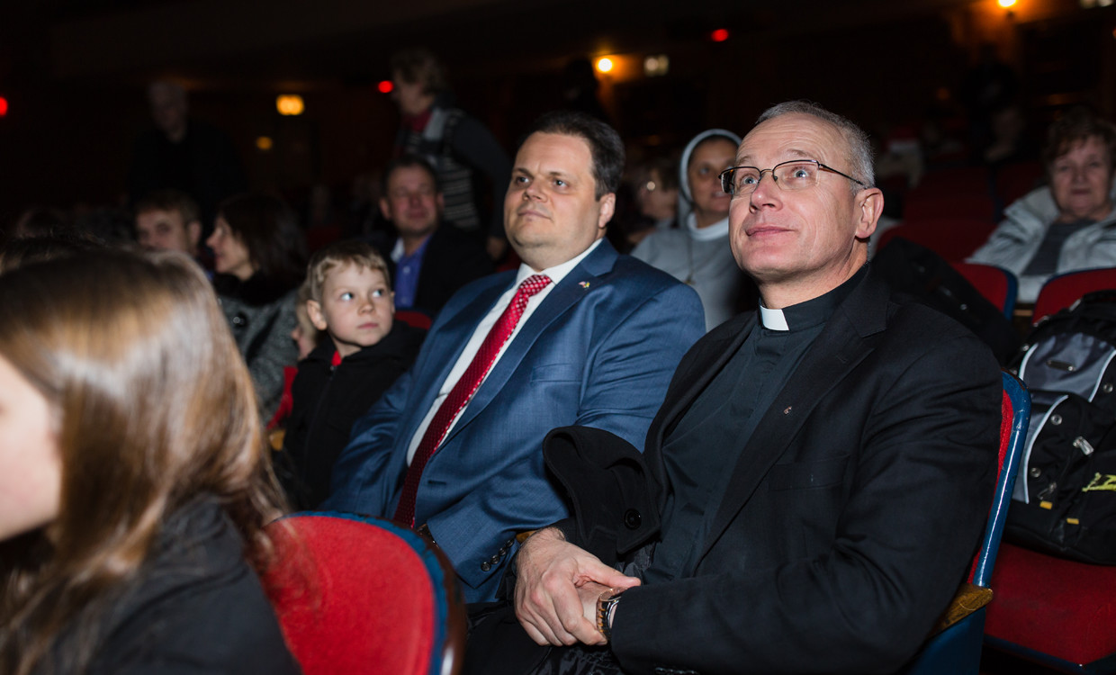 Audience at Liberating a Continent: John Paul II and the Fall of Communism